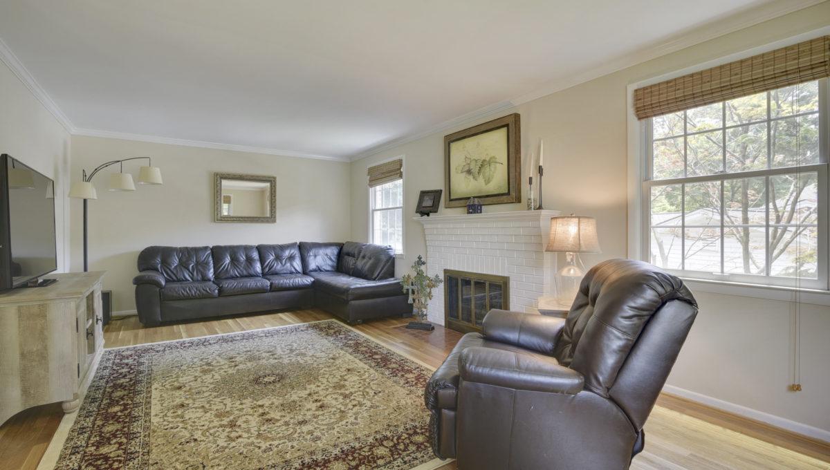 Main Level-Living Room-_HAA2536