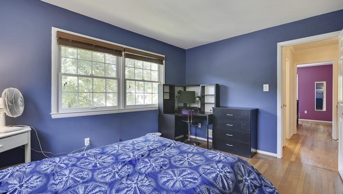 Upper Level-Bedroom-_HAA2606