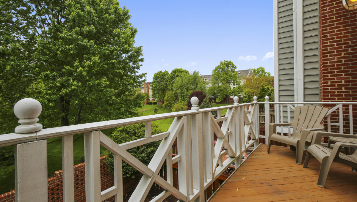 Main Level-Balcony-IMG_6920