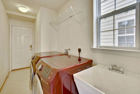 Main Level-Washer Dryer-_99A6722