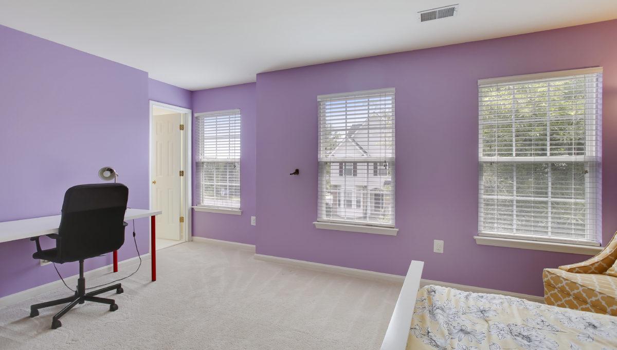 Upper Level-Bedroom-_99A6802