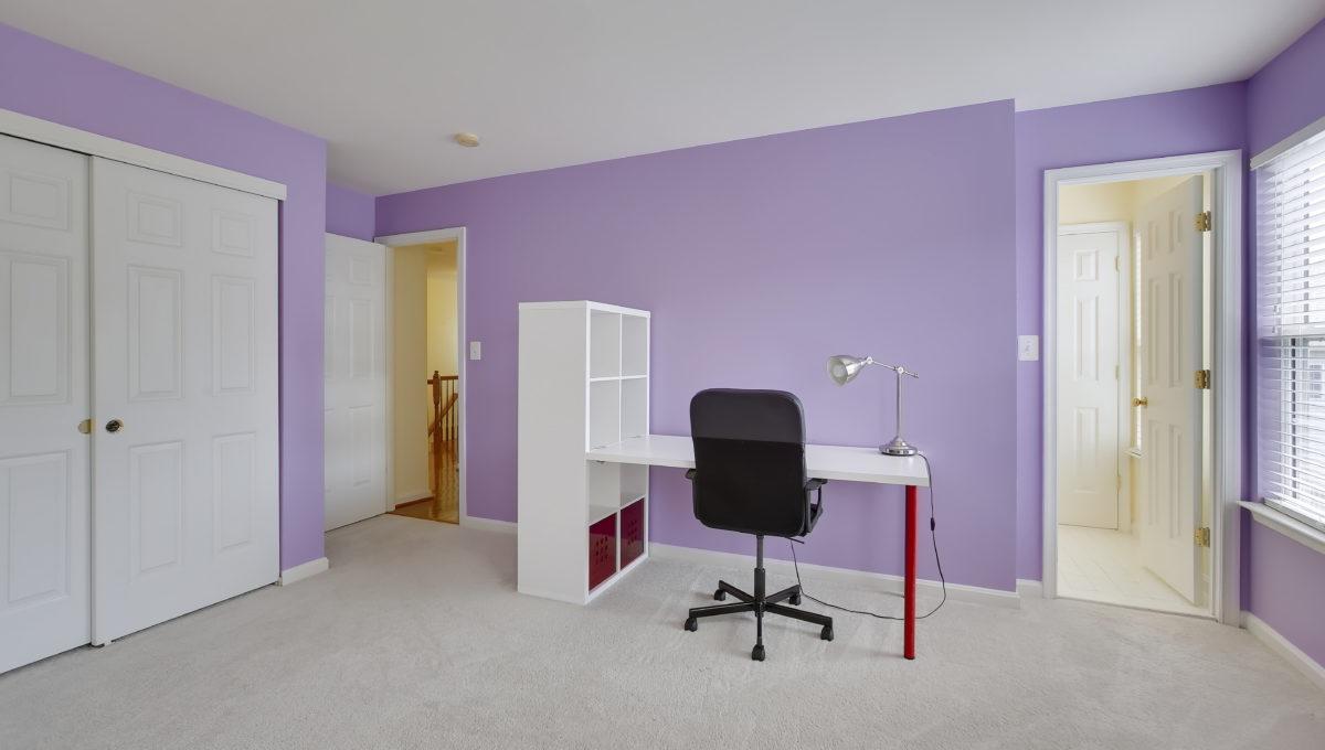 Upper Level-Bedroom-_99A6812