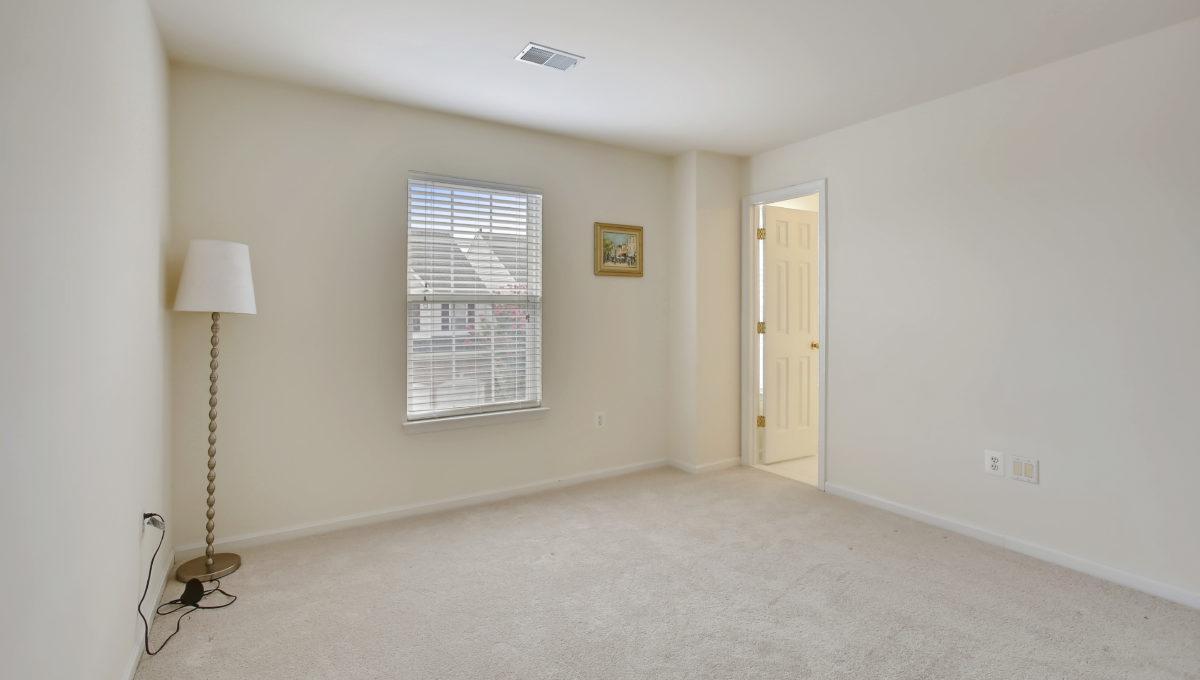 Upper Level-Bedroom-_99A6842