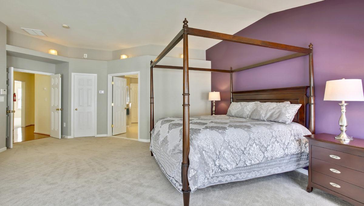 Upper Level-Master Bedroom-_99A6747