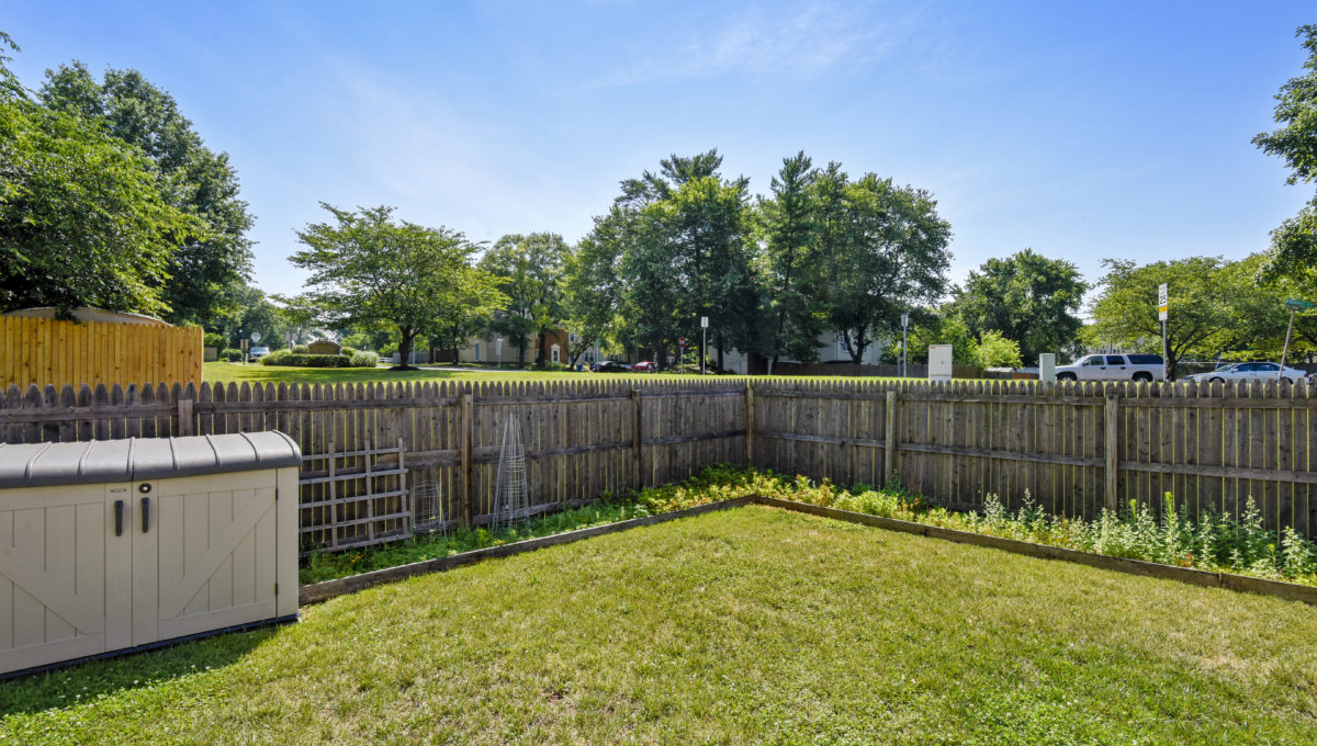 Exterior-Yard-_2047236 - Copy