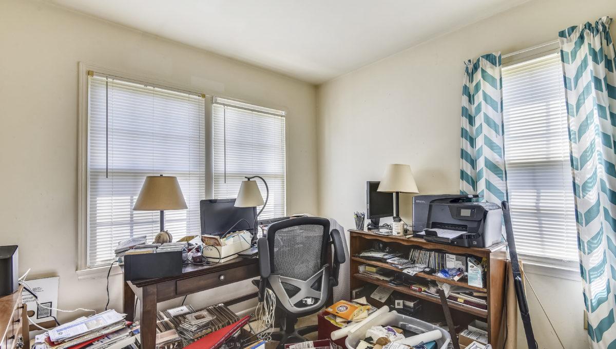 Upper Level-Bedroom-_2047201
